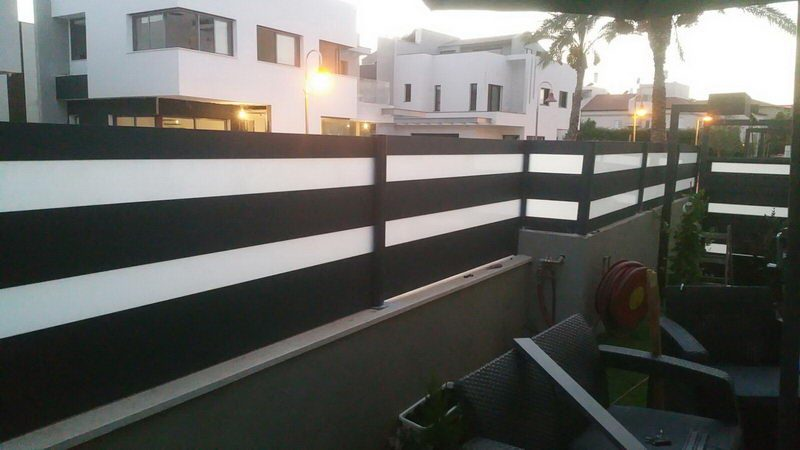 Aluminum fence combined with glass 01